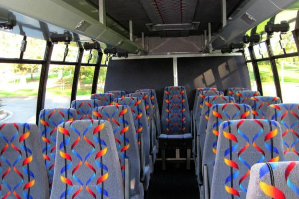 20 person mini bus rental Columbus